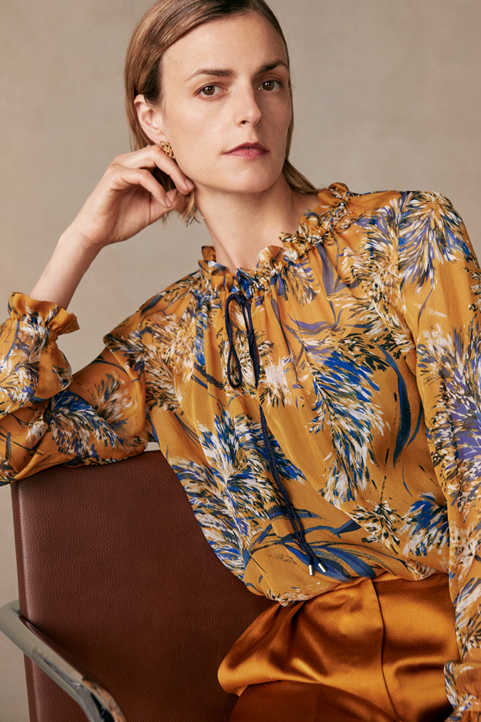 https://thefoldlondon.com/wp-content/uploads/2015/08/TheFold_Lancaster_Blouse_Yellow_Print_Silk_DB127_1_v2.jpg