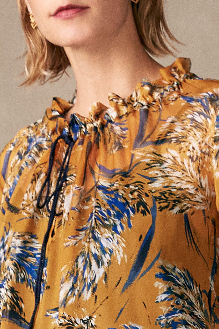 https://thefoldlondon.com/wp-content/uploads/2015/08/TheFold_Lancaster_Blouse_Yellow_Print_Silk_DB127_3_v2.jpg