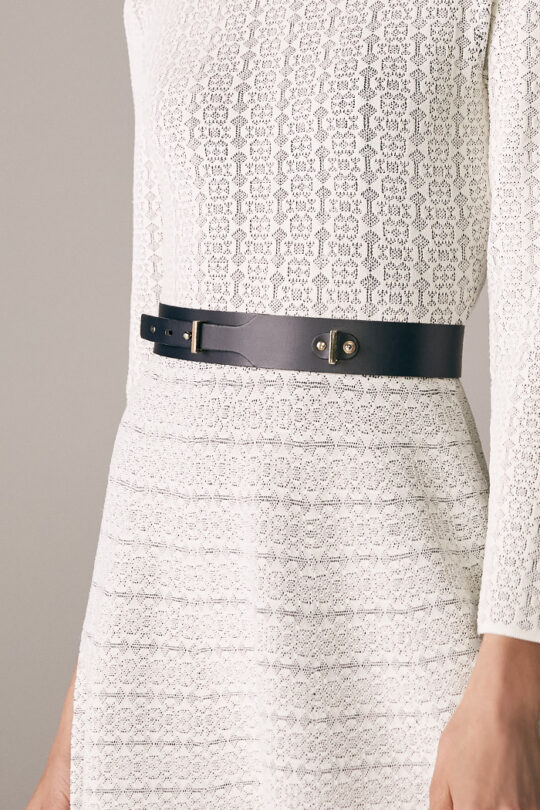 https://thefoldlondon.com/wp-content/uploads/2015/08/TheFold_Rennes_Dress_Ivory_And_Navy_Knitted_Jacquard_DD174_3_v2.jpg