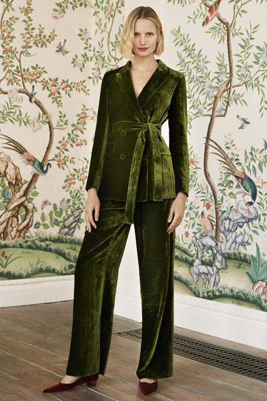 https://thefoldlondon.com/wp-content/uploads/2019/09/The_Fold_ALMEIDA-JACKET-JADE-DJ031_ALMEIDA-TROUSERS-JADE-DT036_025_v2.jpg