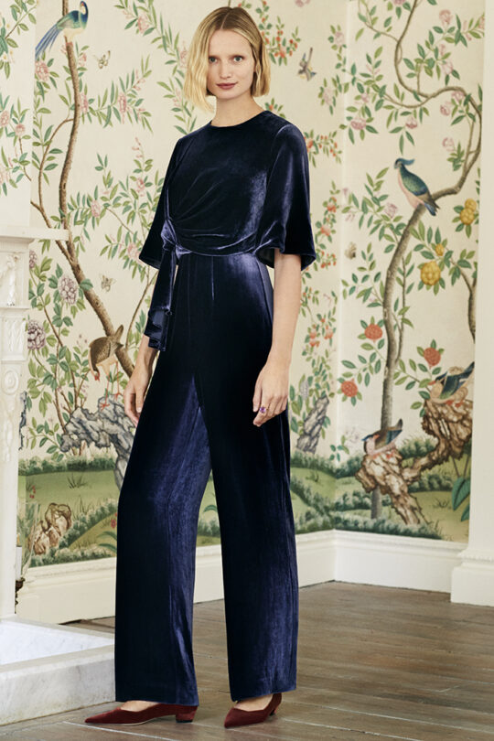 https://thefoldlondon.com/wp-content/uploads/2019/09/The_Fold_PALAZZO-JUMPSUIT-MIDNIGHT-SILK-VELVET-DD156_286_v2.jpg