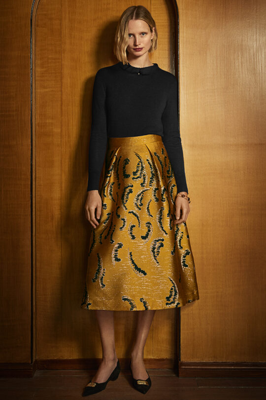 https://thefoldlondon.com/wp-content/uploads/2019/10/The_Fold_RIALTO-SKIRT-TUSCANY-GOLD-DS024-2_1527_v2.jpg