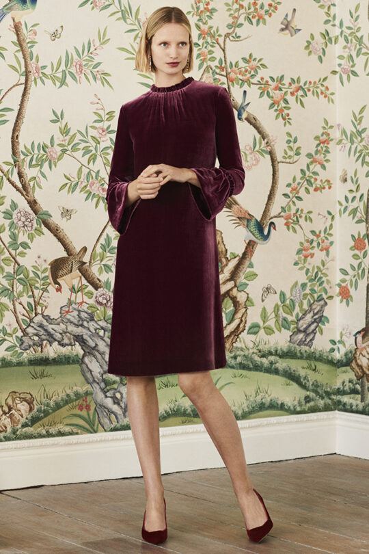 https://thefoldlondon.com/wp-content/uploads/2019/09/The_Fold_VERONA-DRESS-BURGUNDY-SILK-DD157_526_v2.jpg