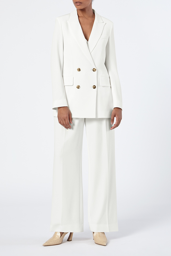 https://thefoldlondon.com/wp-content/uploads/2015/08/THE_FOLD_ALMEIDA_JACKET_IVORY_CREPE_DJ012_1_v2.jpg