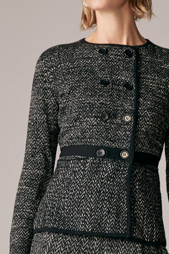 https://thefoldlondon.com/wp-content/uploads/2015/08/TheFold_Ashmore_Jacket_Black_And_Ivory_Knitted_Tweed_DK035_3_v2.jpg