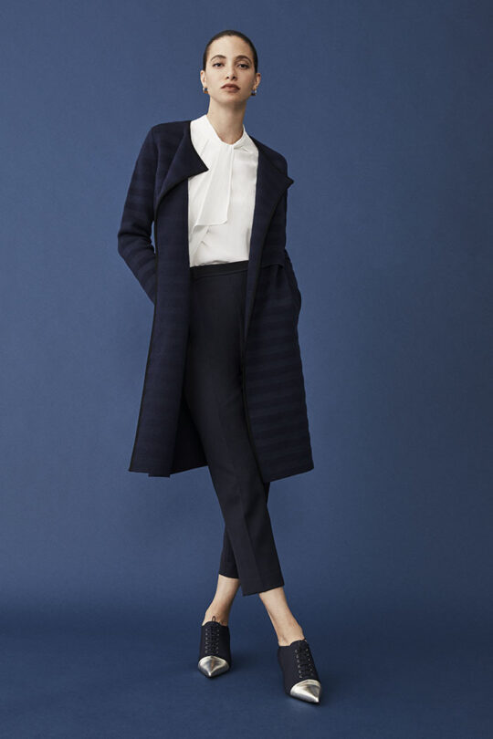 https://thefoldlondon.com/wp-content/uploads/2015/08/TheFold_CHERBURY_KNIT_COAT_NAVY_DK059_130_2-1_v2.jpg