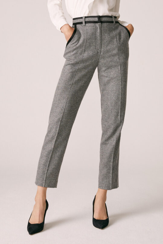 https://thefoldlondon.com/wp-content/uploads/2015/08/TheFold_Cleveland_Trousers_Wool_Silk_Herringbone_DT069_1_v2.jpg