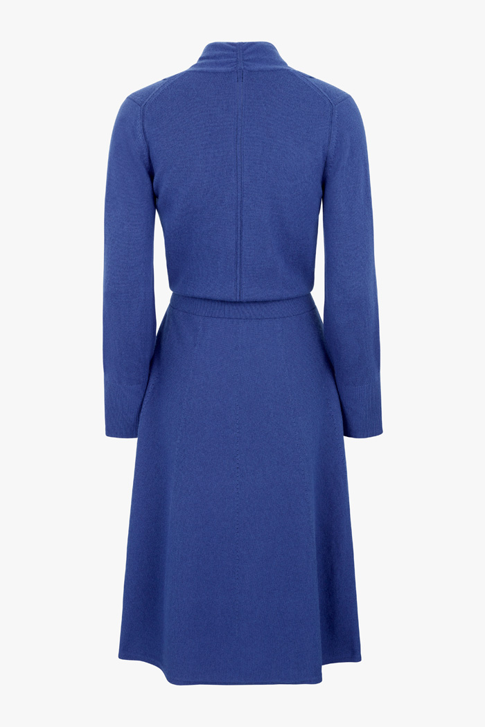 https://thefoldlondon.com/wp-content/uploads/2015/08/TheFold_Haseley_Knit_Dress_Indigo_DD243_2_v4.jpg