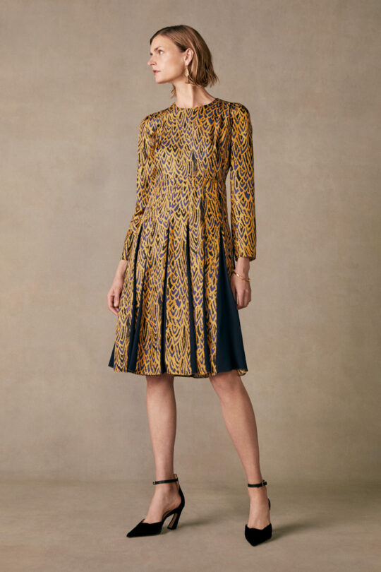 https://thefoldlondon.com/wp-content/uploads/2015/08/TheFold_Hepburn_Dress_Tuscany_Gold_Silk_DD163_2_v2.jpg