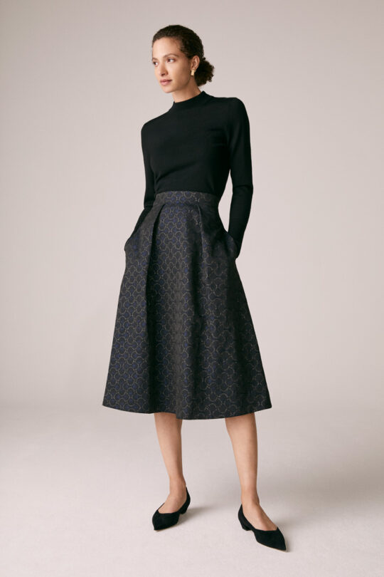 https://thefoldlondon.com/wp-content/uploads/2015/08/TheFold_Rialto_Skirt_Navy_And_Gold_French_Jacquard_DS045_1_v2.jpg