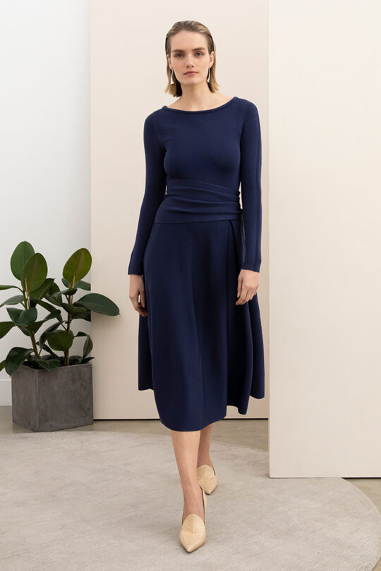 https://thefoldlondon.com/wp-content/uploads/2015/08/KNITTED_CAMELOT_DRESS_INDIGO_BLUE_DD185_024_v2-1.jpg