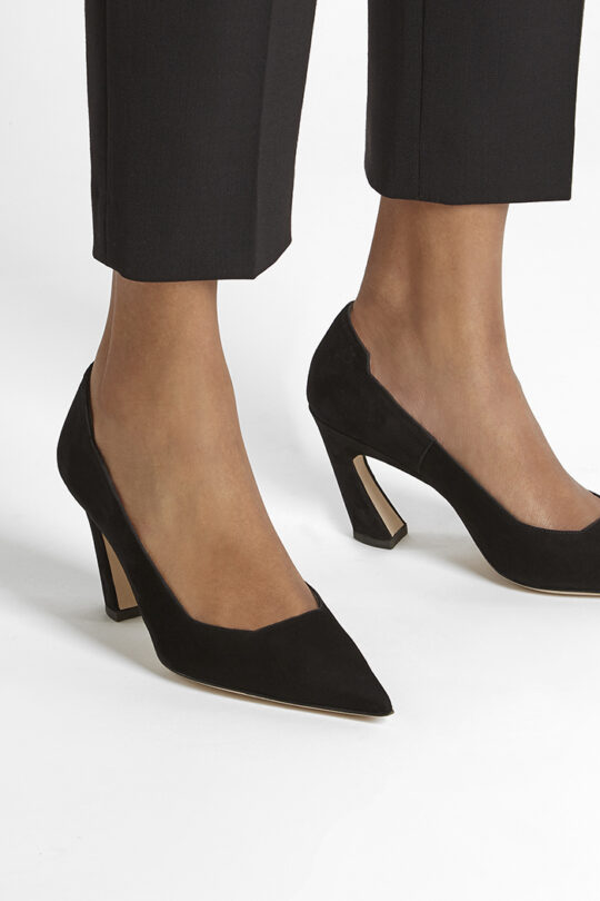 https://thefoldlondon.com/wp-content/uploads/2019/08/MILANO-SHOE_BLACK-SUEDE_34443.jpg