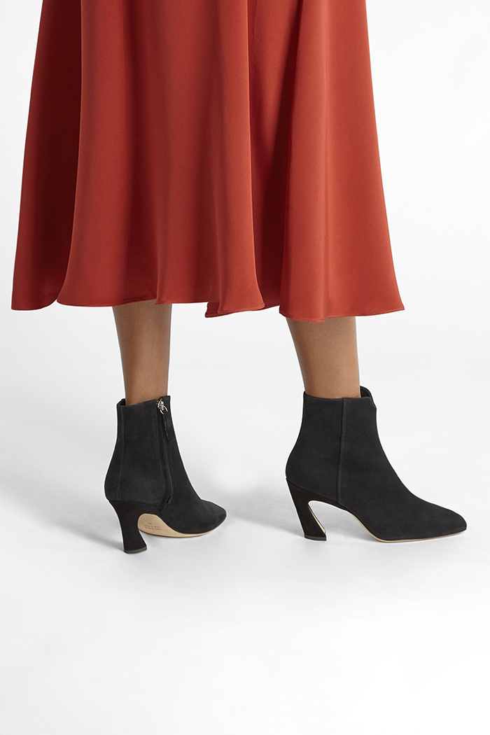 https://thefoldlondon.com/wp-content/uploads/2019/08/ROMA-BOOT_BLACK-SUEDE_35330.jpg