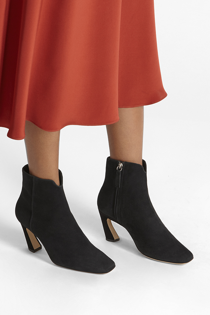 https://thefoldlondon.com/wp-content/uploads/2019/08/ROMA-BOOT_BLACK-SUEDE_35337.jpg