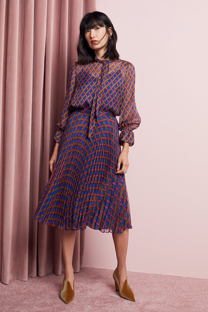 https://thefoldlondon.com/wp-content/uploads/2015/08/TheFold_Sandford_Skirt_Trellis_Print_Pleated_Chiffon_DS046_1_v2.jpg