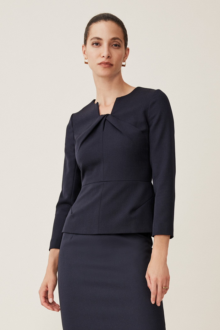 https://thefoldlondon.com/wp-content/uploads/2020/08/TheFold_Ultimate_Wool_BELMORE_TOP_NAVY_DB301003_1_2.jpg