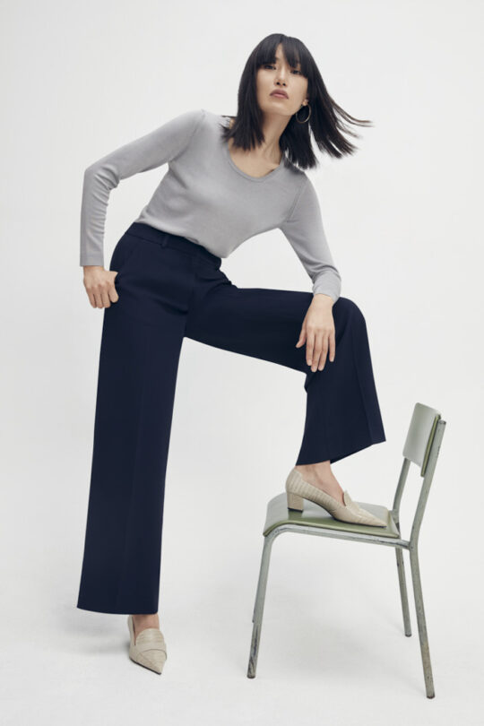 https://thefoldlondon.com/wp-content/uploads/2015/08/TheFold_Clever_Crepe_High_Waisted_Elasticated_Trousers_Midnight_Blue_DT074_1_v2.jpg