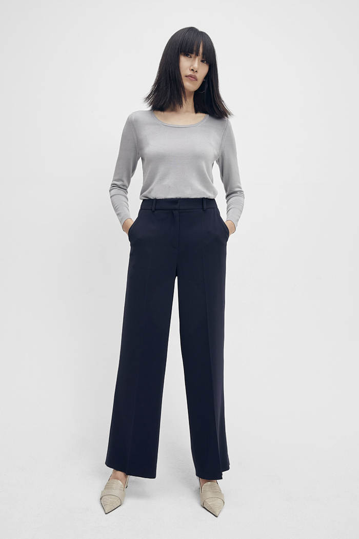 https://thefoldlondon.com/wp-content/uploads/2015/08/TheFold_Clever_Crepe_High_Waisted_Elasticated_Trousers_Midnight_Blue_DT074_2_v2.jpg