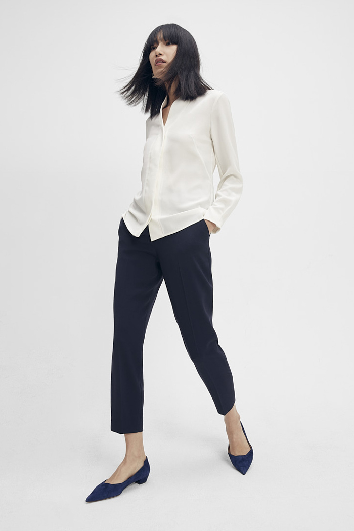 https://thefoldlondon.com/wp-content/uploads/2015/08/TheFold_Clever_Crepe_Slim_Leg_Elasticated_Trousers_Midnight_Blue_DT075_1_v2.jpg