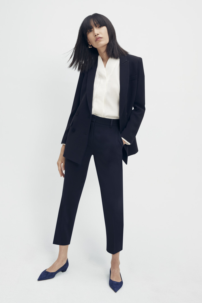 https://thefoldlondon.com/wp-content/uploads/2015/08/TheFold_Clever_Crepe_Slim_Leg_Elasticated_Trousers_Midnight_Blue_DT075_3_v2.jpg