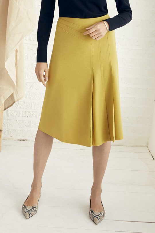 https://thefoldlondon.com/wp-content/uploads/2015/08/TheFold_Emsworth_Skirt_Yellow_Luxury_Wool_Jersey_DS048_2_v2.jpg