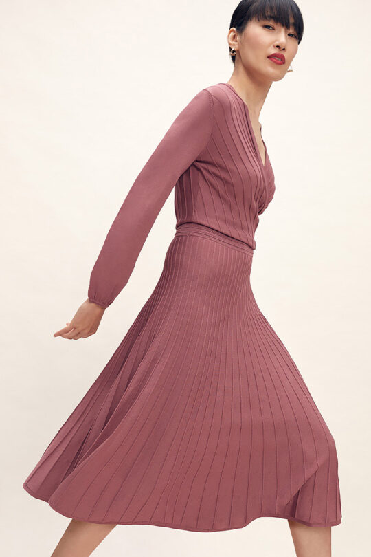 https://thefoldlondon.com/wp-content/uploads/2015/08/TheFold_Belluno_Knitted_Dress_Rose_Pink_DD250_2102_1_v2.jpg