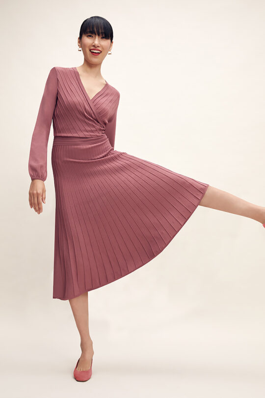 https://thefoldlondon.com/wp-content/uploads/2015/08/TheFold_Belluno_Knitted_Dress_Rose_Pink_DD250_2102_2_v2.jpg