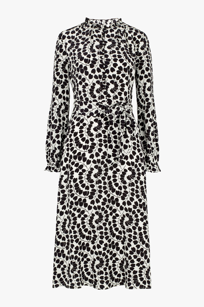 https://thefoldlondon.com/wp-content/uploads/2015/08/TheFold_Mayfair_Dress_Heart_Leaf_Print_Silk_DD249_2102_1_v4.jpg