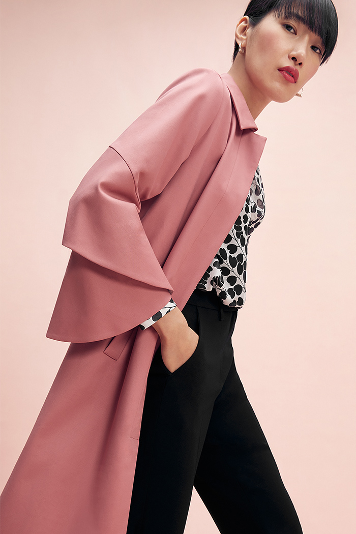 https://thefoldlondon.com/wp-content/uploads/2015/08/TheFold_Napier_Trench_Coat_Blush_Pink_Cotton_DO020_2102_1_v2.jpg