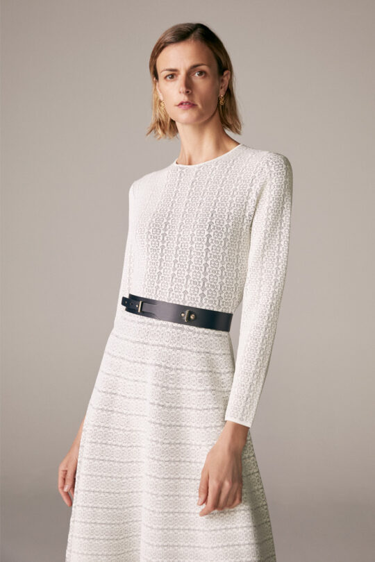 https://thefoldlondon.com/wp-content/uploads/2015/08/TheFold_RENNES_DRESS_IVORY_NAVY_KNITTED_JACQUARD_DD174_2.jpg