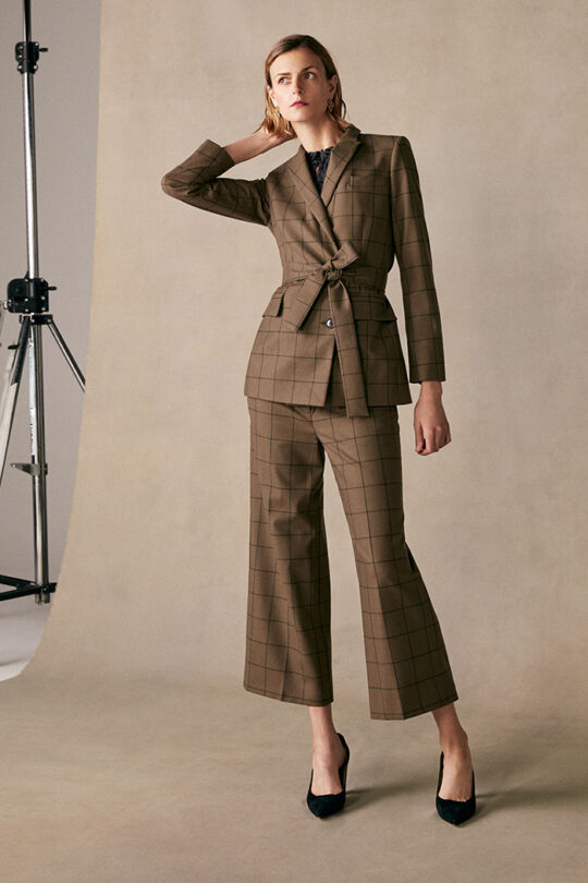 https://thefoldlondon.com/wp-content/uploads/2015/08/TheFold_Almeida_Jacket_Khaki_Check_Wool_DJ048_1_v2-rev.jpg