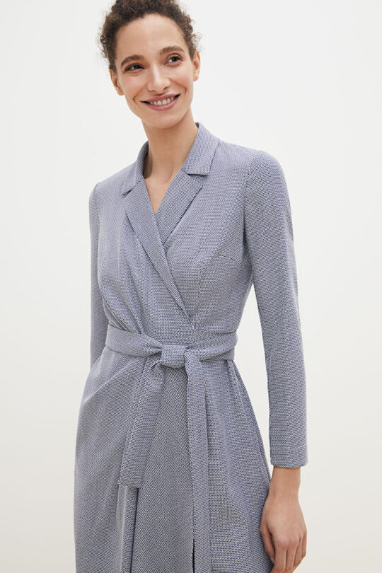 https://thefoldlondon.com/wp-content/uploads/2021/02/TheFold_Avignon_Wrap_Dress_Blue_Jacquard_DD189_2103_1_v2.jpg