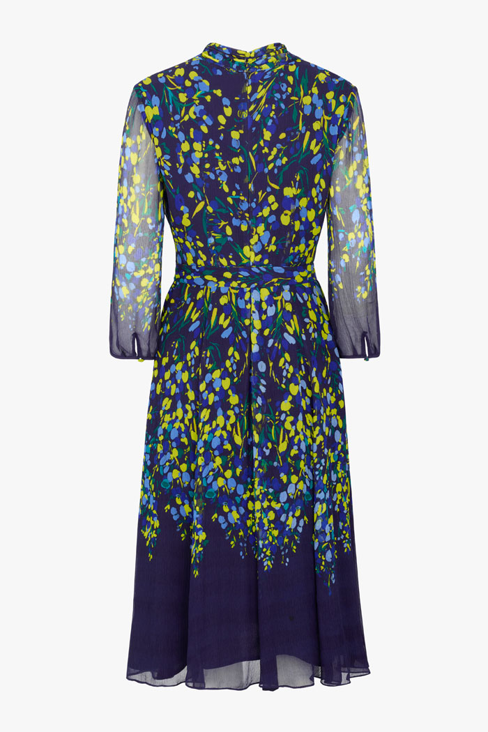 https://thefoldlondon.com/wp-content/uploads/2021/02/TheFold_Carlton_Dress_Multicoloured_Print_Crinkled_Silk_DD255_2103_2_v4.jpg