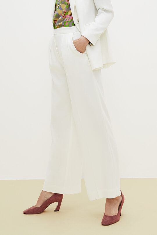 TheFold_Clever_Crepe_Almeida_Trousers_Ivory_DT014_2103_3_v2