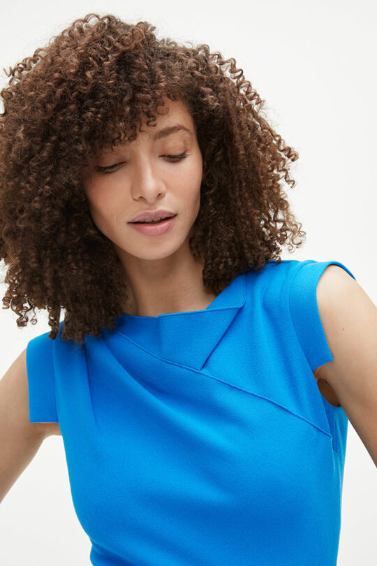 https://thefoldlondon.com/wp-content/uploads/2021/02/TheFold_Elland_Dress_Cerulean_Blue_Stretch_Crepe_DD254_2103_2_v2.jpg