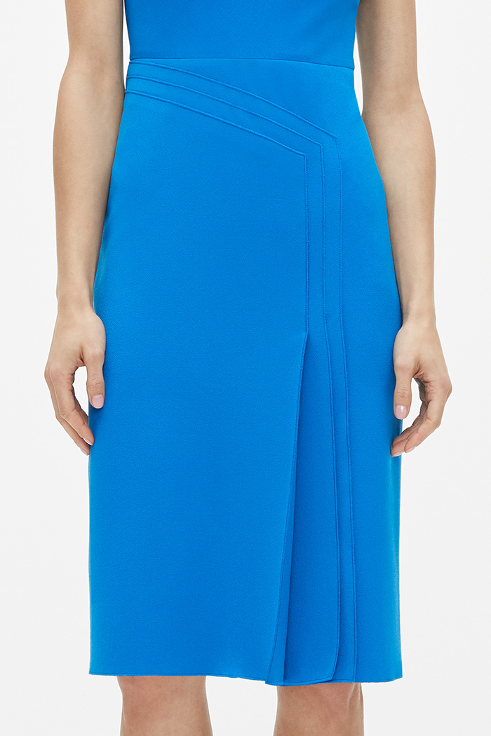 https://thefoldlondon.com/wp-content/uploads/2021/02/TheFold_Elland_Dress_Cerulean_Blue_Stretch_Crepe_DD254_2103_3_v2.jpg