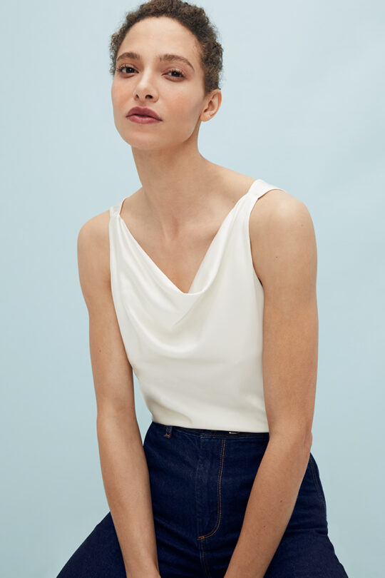 https://thefoldlondon.com/wp-content/uploads/2021/02/TheFold_Fairfield_Cami_Top_Ivory_Silk_Satin_DB142_2103_1_v2.jpg