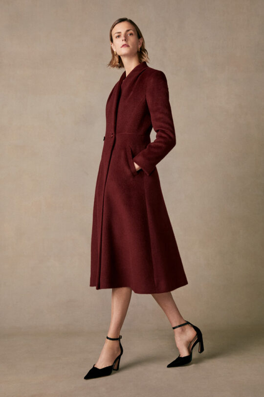 https://thefoldlondon.com/wp-content/uploads/2015/08/TheFold_Finchley_Coat_Burgundy_Premium_Wool_DO018_1_v2.jpg