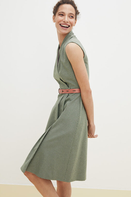 https://thefoldlondon.com/wp-content/uploads/2021/02/TheFold_Hampton_Dress_Green_Jacquard_DD196_2103_1_v2.jpg