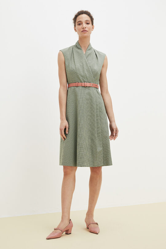 https://thefoldlondon.com/wp-content/uploads/2021/02/TheFold_Hampton_Dress_Green_Jacquard_DD196_2103_2_v2.jpg