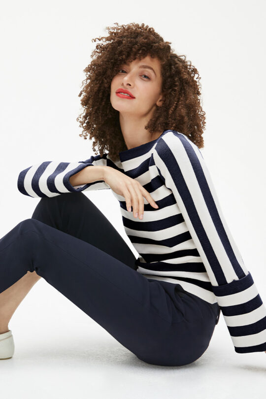 TheFold_Lisson_Sweater_Ivory_And_Navy_DK080_2103_1_v2