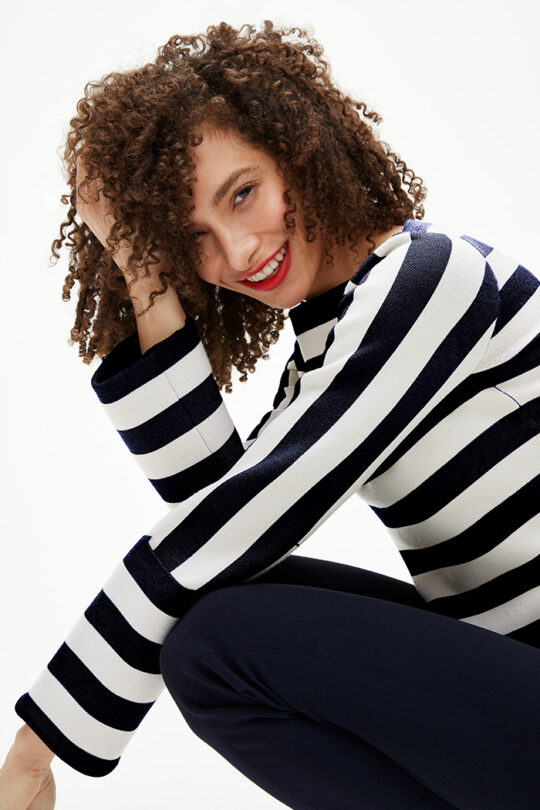 TheFold_Lisson_Sweater_Ivory_And_Navy_DK080_2103_3_v2