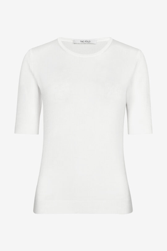 https://thefoldlondon.com/wp-content/uploads/2021/02/TheFold_Lyon_Knit_Top_Ivory_DK046_2103_1_v4.jpg