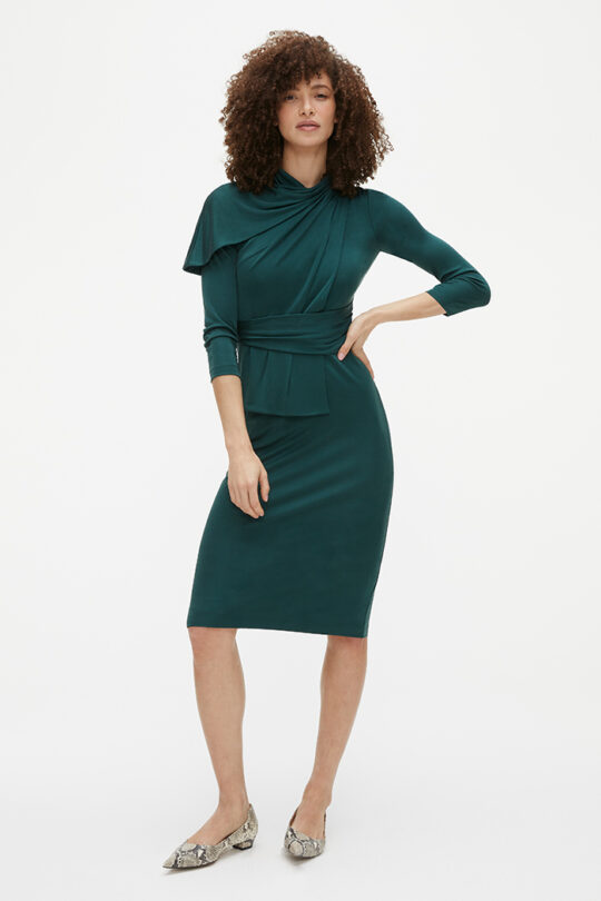 https://thefoldlondon.com/wp-content/uploads/2021/02/TheFold_Marylebone_Dress_Dark_Green_Silk_Jersey_DD251_2103_1_v2.jpg