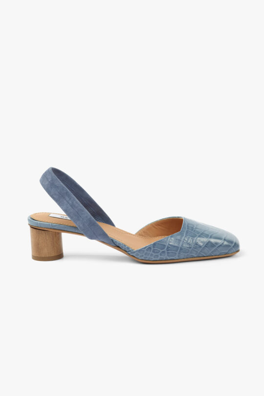 https://thefoldlondon.com/wp-content/uploads/2021/02/TheFold_Pompeii_40_Blue_Croc_Embossed_Leather_DA061_2103_1_v4.jpg