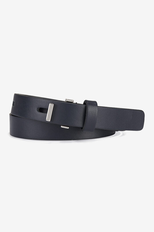 https://thefoldlondon.com/wp-content/uploads/2015/08/Mercer_Belt_Navy_DA087_1_v4.jpg