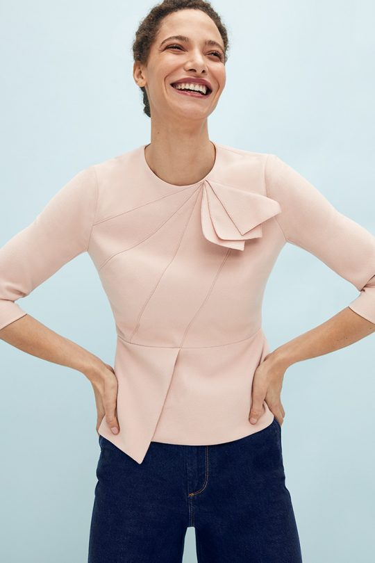 https://thefoldlondon.com/wp-content/uploads/2021/03/TheFold_Amesbury_Top_Blush_Stretch_Crepe_DB148_2104_1_v2.jpg