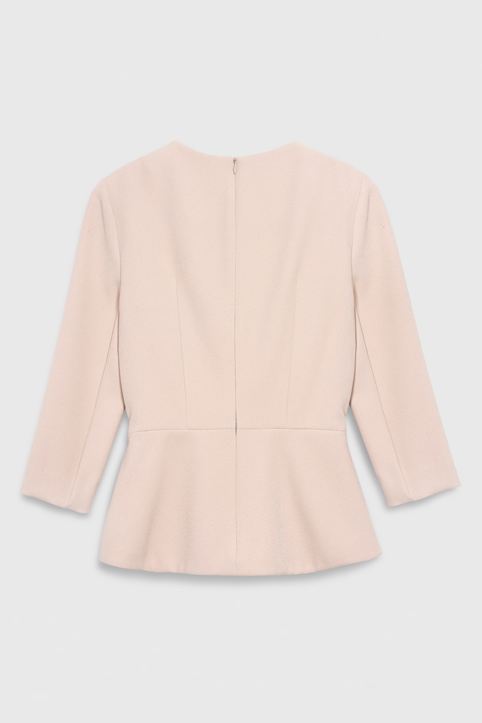 https://thefoldlondon.com/wp-content/uploads/2021/03/TheFold_Amesbury_Top_Blush_Stretch_Crepe_DB148_2104_2_v4.jpg