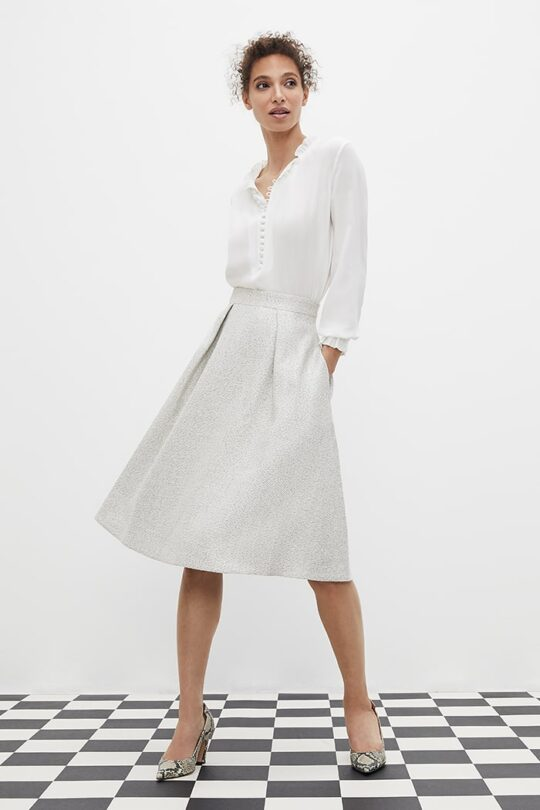 https://thefoldlondon.com/wp-content/uploads/2021/02/TheFold_Blenheim_Skirt_Ivory_And_Silver_Grey_Tweed_DS053_2103_1_v2.jpg