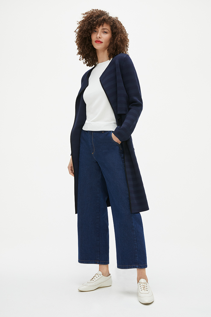 https://thefoldlondon.com/wp-content/uploads/2021/02/TheFold_Cherbury_Knitted_Coat_Navy_Stripe_DK059_2103_2_v2.jpg